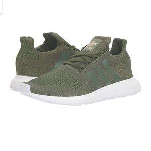Size 1 Adidas Swift Run W Olive Green